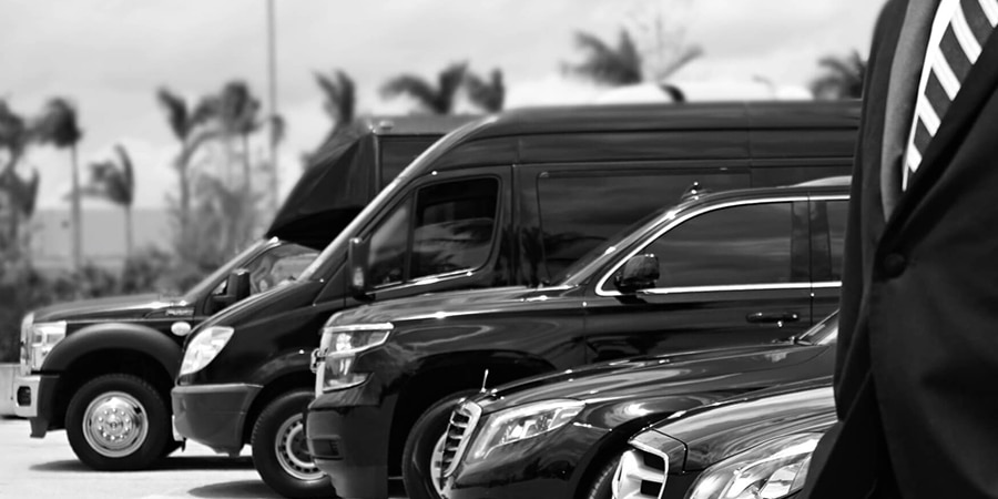 chauffeurs airport transfers in Australia