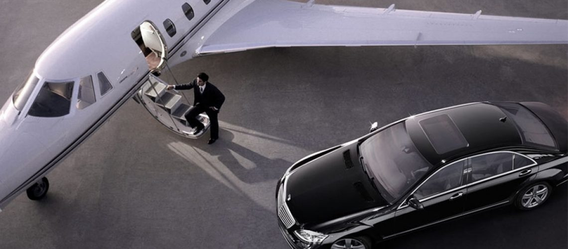 Brisbane Airport Service - Limousine parked in front of jet